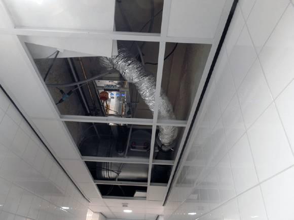 Ozone Blaster ontgeuringssysteem bij ASML in Eindhoven. High tech apparatuur voor een high tech bedrijf.